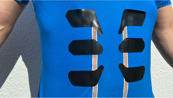 image:It is difficult to fix electrodes on clothes.
